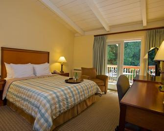 Red Cottage Inn & Suites - Menlo Park - Slaapkamer