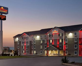 Hawthorn Suites by Wyndham St. Robert/Ft. Leonard Wood - St Robert - Building