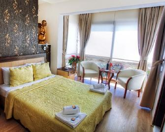 Villa Fokai Hotel - Yenifoça - Bedroom