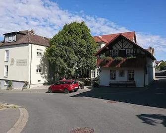 Zur Schonen Schnitterin Gasthof - Bad Staffelstein - Gebouw