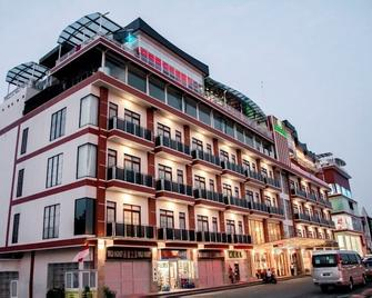 Green Rose Hotel - Lubuk Baja - Gebäude