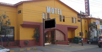 Hotel San Juan Inn - Tijuana - Building