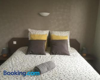 Hotel la piscine - Villers-sur-Mer - Bedroom