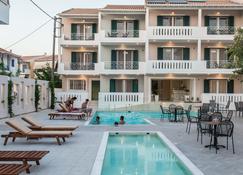 Lefkadio Suites - Лефкада - Pool