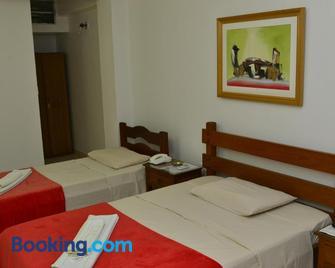 Max Hotel - Núcleo Bandeirante - Schlafzimmer