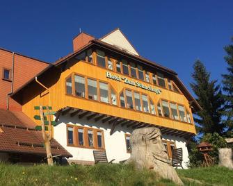 Hotel Zum Schneekopf - Oberhof - Building
