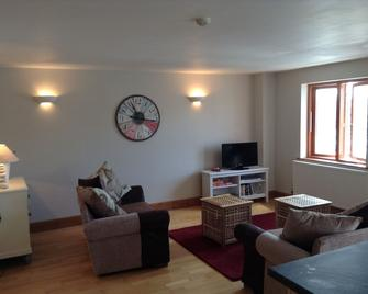 Glan yr Hafan (Seaside Haven) Holiday Apartment - Milford Haven