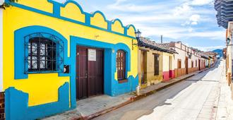 Corazon Corteza - San Cristóbal de las Casas - Außenansicht
