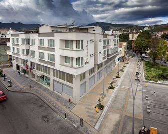 Hotel Fernando Plaza - Пасто - Building
