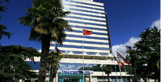 Tirana International Hotel - Tirana - Edificio