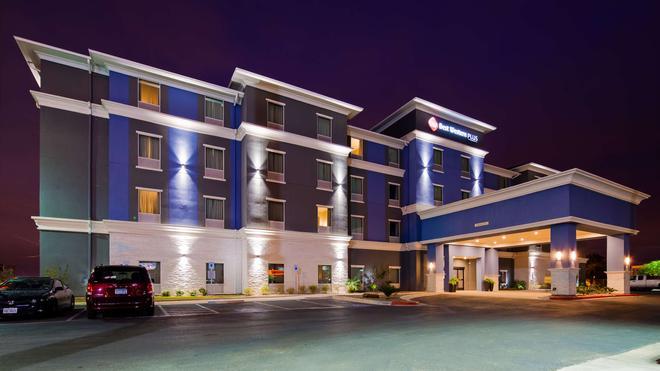 Best Western Plus Laredo Inn & Suites - Laredo - Toà nhà