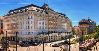 Radisson Blu Carlton Hotel Bratislava - ברטיסלבה - בניין