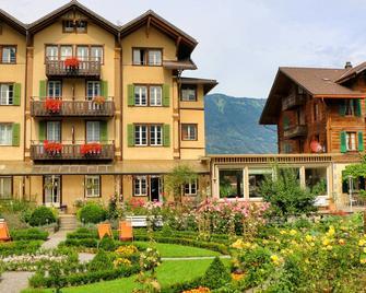 Alpenrose Hotel & Gardens - Wilderswil - Building