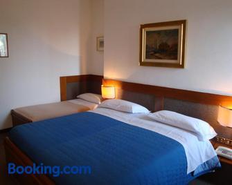Sporting Hotel Ragno D'Oro - Conegliano - Schlafzimmer