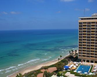 The Seasons Hotel - on The Sea - Netanya - Outdoor view