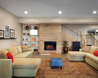 Country Inn & Suites by Radisson, Camp Springs, MD - Camp Springs - Wohnzimmer