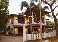 阿努拉德普勒三杜拉度假酒店 - 阿努拉德普勒 - 建築
