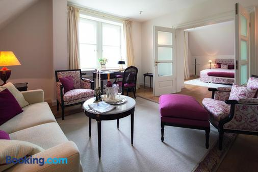 Schlosshotel Munchhausen - Aerzen - Living room