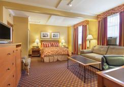 Howard Johnson by Wyndham Vancouver Downtown - Vancouver - Bedroom