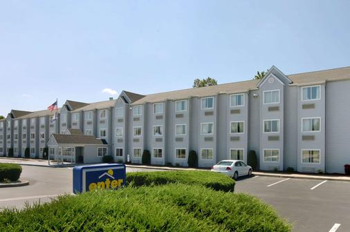 Microtel Inn & Suites by Wyndham Charleston WV - Charleston - Rakennus