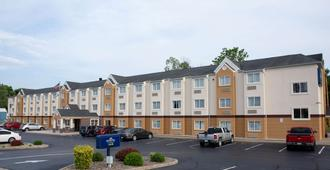 Microtel Inn & Suites by Wyndham Charleston WV - Чарльстон
