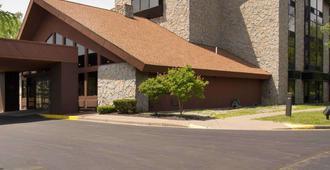Comfort Inn Carrier Circle - Syracuse