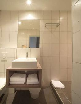 Hotelo - Lyon - Bathroom
