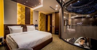Aghababyan's Hotel - ירבאן - חדר שינה