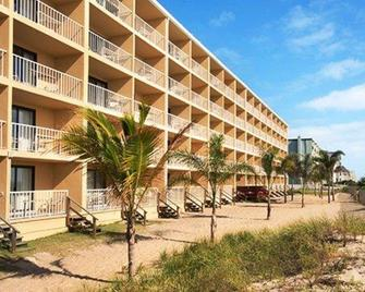 Quality Inn Oceanfront - Ocean City - Building