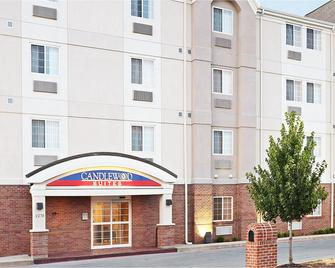 Candlewood Suites Fayetteville - Fayetteville - Building