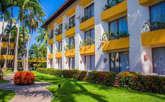 Plaza Pelicanos Club Beach Resort R1 249 R 3 3 9 5