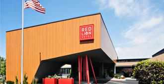 Red Lion Hotel Wenatchee - Веначи