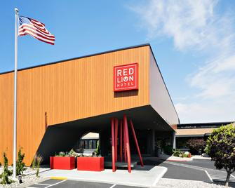 Red Lion Hotel Wenatchee City Center - Веначи - Здание
