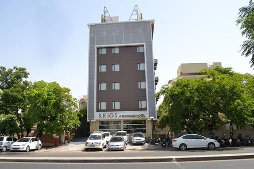 Krios Hotel - Ahmedabad - Gebäude