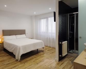 Hotel Montanes - Santander - Bedroom