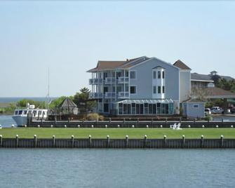 Island Resort - Chincoteague - Building