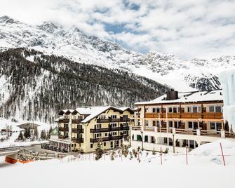 Paradies Pure Mountain Resort - Solda - Budova