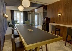 Best Western Plus Hotel Comedie Saint-Roch - Montpellier - Bar
