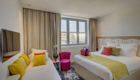 Best Western Plus Hotel Comedie Saint-Roch - Montpellier - Bedroom