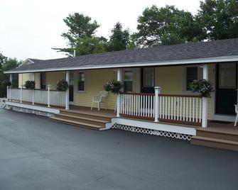 Drakes Island Resort - Wells - Building