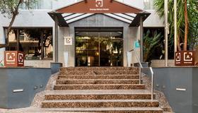 Arenas Atiram Hotels - Bác-xê-lô-na - Toà nhà