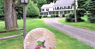Inn on Golden Pond - Holderness - Vista del exterior