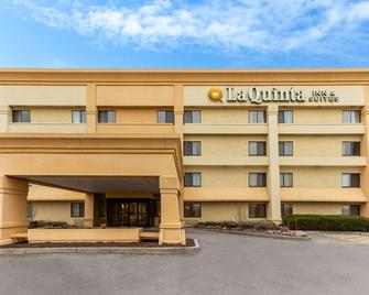 La Quinta Inn & Suites by Wyndham Chicago Gurnee - Gurnee - Building