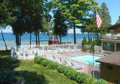 The Shallows Resort - Egg Harbor - Pool