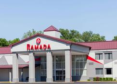 Ramada by Wyndham Henderson/Evansville - Henderson - Building