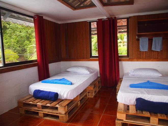Hostal Del Mar - Golfito - Bedroom