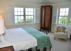 The Reefs Hotel and Club - Southampton - Schlafzimmer