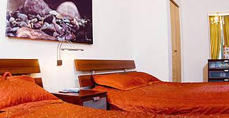 Achieve Guest House - New York - Chambre