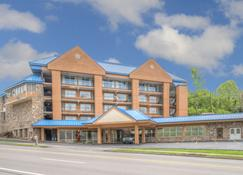 Clarion Pointe Downtown Gatlinburg - Gatlinburg - Bangunan
