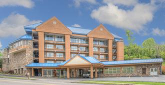 Clarion Pointe Downtown Gatlinburg - Gatlinburg - Edificio